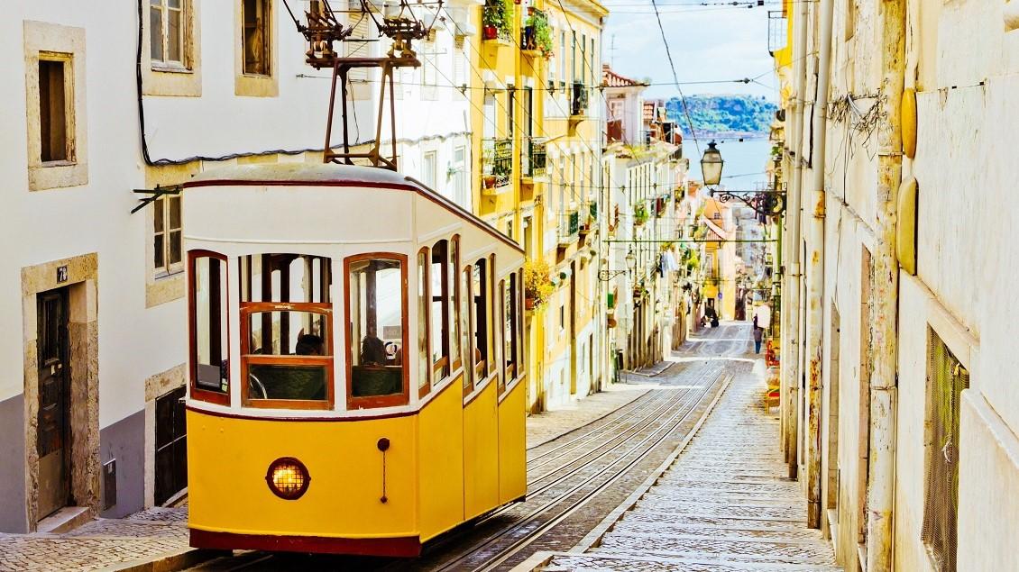 Bondinho amarelo em Portugal